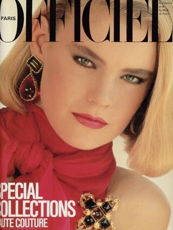 L'Officiel, September 1983 - Chanel, Robe du Soir en Mousseline de Soie À Encolure Nouée by Chris Simpson