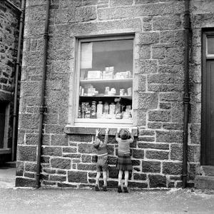 Children at Window by Chris Ware