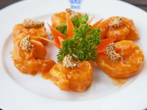 Sauteed Prawns in Mandarin Sauce at Rex Hotel Rooftop Restaurant by Christer Fredriksson