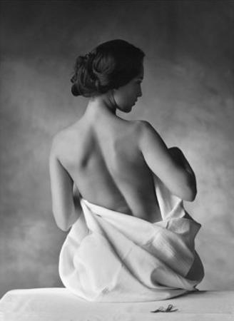 Modesty by Christian Coigny
