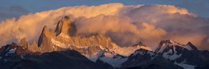 South America, Patagonia, Argentina, Santa Cruz, El Chalten, Fitz Roy at Los Glaciares National Par by Christian Heeb