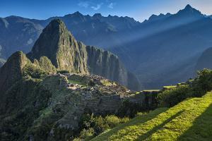 South America, Peru, Urubamba Province, Machu Picchu, UNESCO World Heritage Site by Christian Heeb