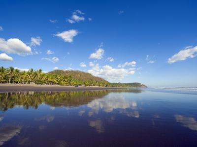 Beach at Playa Sihuapilapa, Pacific Coast, El Salvador, Central America
