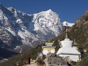 Buddhist Chorten, Thame, Solu Khumbu Everest Region, Sagarmatha National Park, Himalayas by Christian Kober