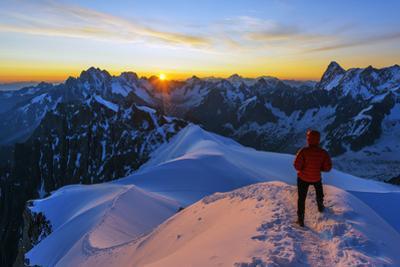 Europe, France, Haute Savoie, Rhone Alps, Chamonix, Aiguille Du Midi Snow Arete, Sunrise (Mr)