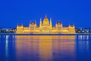 Hungarian Parliament Building by Christian Kober