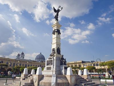 Monument in Parque Libertad, San Salvador, El Salvador, Central America