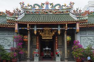 Nghia an Hoi Quan Pagoda, Cholon, Ho Chi Minh City (Saigon), Vietnam, Indochina, Southeast Asia by Christian Kober