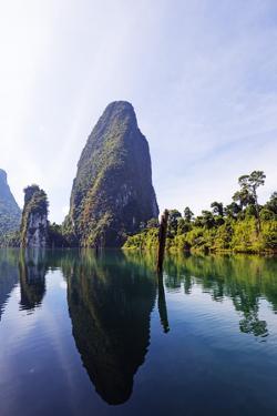 Ratchaprapa Reservoir, Khao Sok National Park, Surat Thani Province, Thailand, Southeast Asia, Asia by Christian Kober