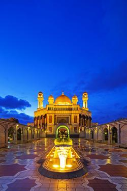 South East Asia, Kingdom of Brunei, Bandar Seri Begawan, Jame'Asr Hassanal Bolkiah Mosque by Christian Kober