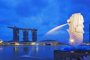 South East Asia, Singapore, Merlion and Marina Bay Sands by Christian Kober