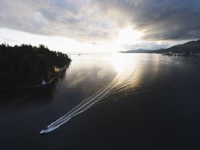 Speed Boat in Burrard Inlet, Vancouver, British Columbia, Canada, North America