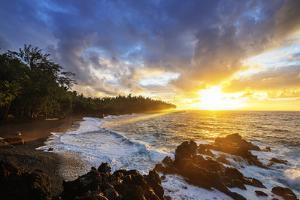 Sunrise at Kehena Beach, Big Island, Hawaii, USA by Christian Kober