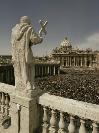 St. Peter's Square, Easter 1975, Rome, Lazio, Italy