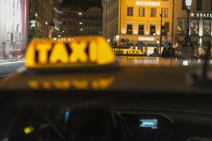 Taxi in Munich, Maximilansstrasse by Christine Meder stage-art.de