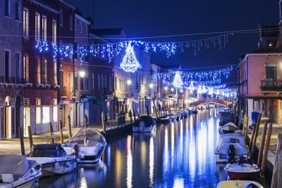 https://imgc.allpostersimages.com/img/posters/christmas-decoration-on-a-canal-at-night-murano-venice-unesco-world-heritage-site-veneto-italy_u-L-PWFM1O0.jpg?artPerspective=n