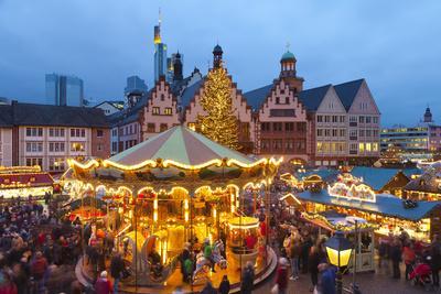 https://imgc.allpostersimages.com/img/posters/christmas-market-in-romerberg-frankfurt-germany-europe_u-L-PWFFV70.jpg?p=0