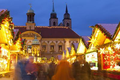 https://imgc.allpostersimages.com/img/posters/christmas-market-in-the-altermarkt-with-the-baroque-town-hall-in-the-background_u-L-PWFF570.jpg?p=0