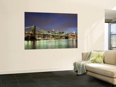Brooklyn Bridge and Manhattan Skyline at Dusk