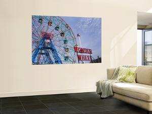 Historic Wonder Wheel Fairground, Coney Island by Christopher Groenhout