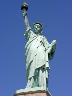 Statue of Liberty by Christopher Groenhout