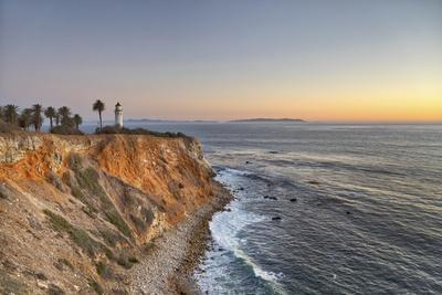 USA, California, Ranchos Palos Verdes. The lighthouse at Point Vicente at sunset.
