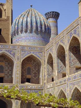 Shyr-Dor Madrasah (Madressa) 1636, Registan Square, Samarkand, Uzbekistan, Asia by Christopher Rennie