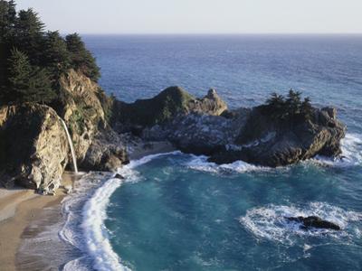 California, Big Sur Coast, Julia Pfeiffer Burns Sp, Mcway Falls