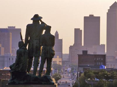 Statue Overlooking the City, Des Moines, Iowa