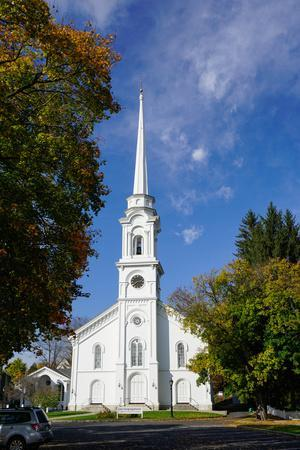 https://imgc.allpostersimages.com/img/posters/church-in-lee-the-berkshires-massachusetts-new-england-united-states-of-america-north-america_u-L-PWFMJ60.jpg?p=0