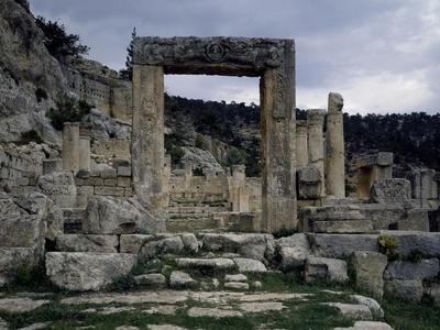 https://imgc.allpostersimages.com/img/posters/church-of-evangelists-of-alahan-monastery-in-taurus-range-turkey_u-L-PP2QSN0.jpg?p=0