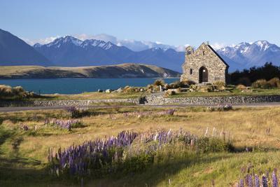 https://imgc.allpostersimages.com/img/posters/church-of-the-good-shepherd-lake-tekapo-canterbury-region-south-island-new-zealand-pacific_u-L-PXXJXJ0.jpg?p=0