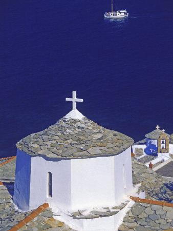 https://imgc.allpostersimages.com/img/posters/church-on-skopelos-island-greek-islands-greece-europe_u-L-P7X6440.jpg?artPerspective=n