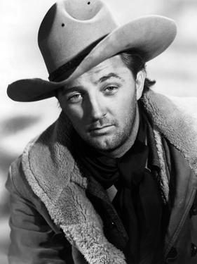 Ciel rouge BLOOD ON THE MOON by Robert Wise with Robert Mitchum, 1948 (b/w photo)