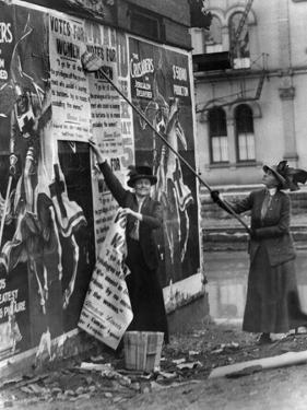 Cincinnati: Suffragettes
