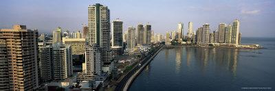 https://imgc.allpostersimages.com/img/posters/city-skyline-panama-city-panama-central-america_u-L-P2R3Y60.jpg?artPerspective=n