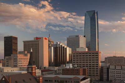 https://imgc.allpostersimages.com/img/posters/city-skyline-with-devon-tower-at-dusk-oklahoma-city-oklahoma-usa_u-L-PN6ZDM0.jpg?p=0