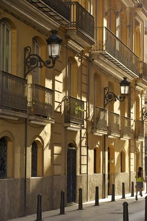 https://imgc.allpostersimages.com/img/posters/city-streets-valencia-spain-europe_u-L-PNFYQ10.jpg?artPerspective=n