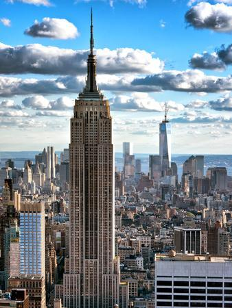 https://imgc.allpostersimages.com/img/posters/cityscape-empire-state-building-and-one-world-trade-center-manhattan-nyc_u-L-PZ2NIK0.jpg?p=0