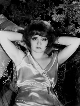 Clara Bow (1905-1965) 1930 (b/w photo)