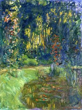 Garden of Giverny, 1923 by Claude Monet