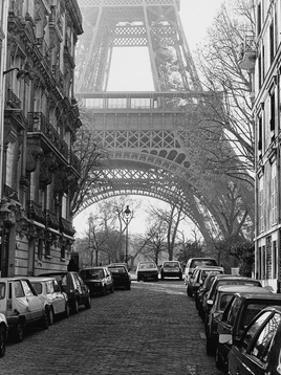Street View of La Tour Eiffel by Clay Davidson