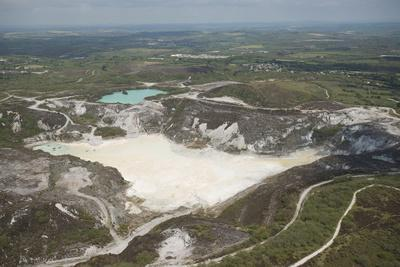 https://imgc.allpostersimages.com/img/posters/clay-pit-st-austell-cornwall-england-united-kingdom-europe_u-L-PNFRO30.jpg?artPerspective=n