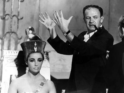 https://imgc.allpostersimages.com/img/posters/cleopatra-1963-directed-by-joseph-l-mankiewicz-on-the-set-joseph-l-mankiewicz-and-elizabeth-tay_u-L-Q1C3WQV0.jpg?artPerspective=n