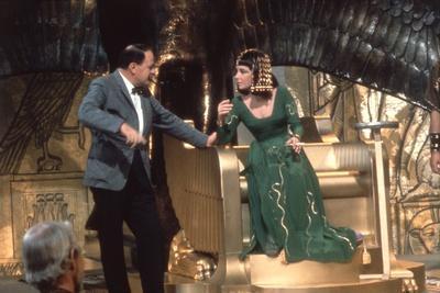 https://imgc.allpostersimages.com/img/posters/cleopatra-1963-directed-by-joseph-l-mankiewicz-on-the-set-joseph-l-mankiewicz-and-elizabeth-tay_u-L-Q1C3XCZ0.jpg?artPerspective=n