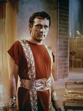 CLEOPATRA, 1963 directed by JOSEPH L. MANKIEWICZ Richard Burton (photo)