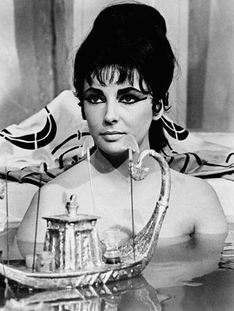 https://imgc.allpostersimages.com/img/posters/cleopatra-1963_u-L-Q10TTVM0.jpg?artPerspective=n