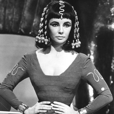 Cleopatre Cleopatra by Joseph L. Mankiewicz with Elizabeth Taylor, 1963 (b/w photo)