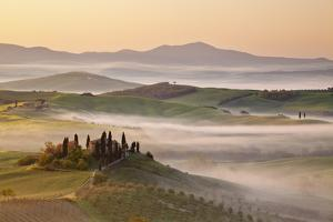 Belvedere Farm at Sunsise, Orcia Valley,Tuscany,Italy. by ClickAlps