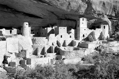 https://imgc.allpostersimages.com/img/posters/cliff-palace-pueblo-bw_u-L-Q11UGPZ0.jpg?p=0